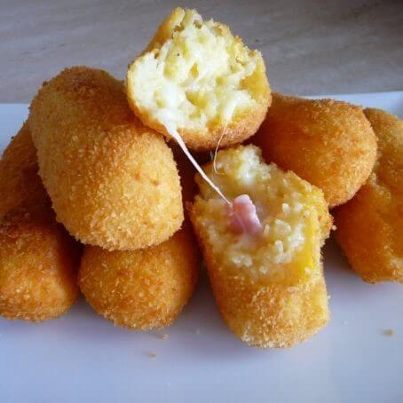 Croquetas de queso manchego y jamon dulce