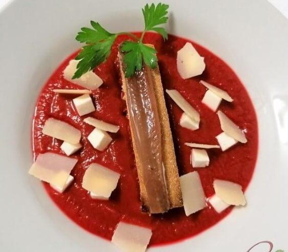 gazpacho remolacha y queso manchego
